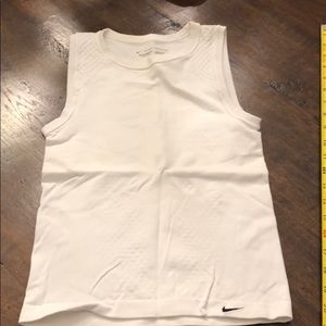 Nike dry fit size extra small white sleeveless top